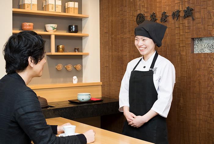 カフェスタッフの写真