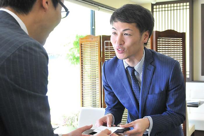 営業スタッフの写真